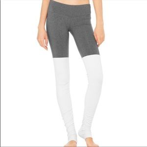 ALO YOGA goddess leggings, grey & cream Size XS